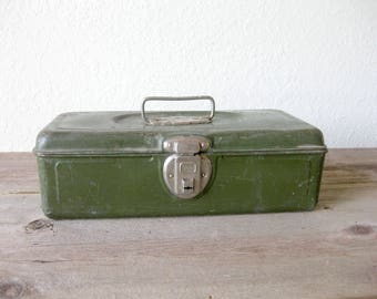 Vintage Union Steel Model 8007 Green Metal Industrial Utility Box ~ Tackle Box ~ Ruler ~ Metal Handle ~ Union Company