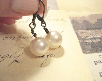 Pearl Earrings Brass Lever back Dangle Pearl Earrings Bridesmaid Earrings Wedding Jewelry Vintage Pearl Earrings Audrey Earrings