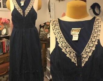 1970's Gunne Sax Denim Dress || lace edged full skirt denim jumper with pockets