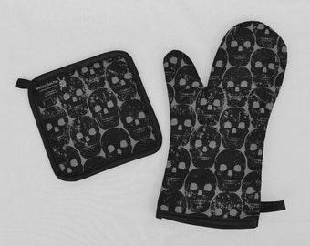 Black Skulls Oven Mitt and Pot Holder, Sets and Singles