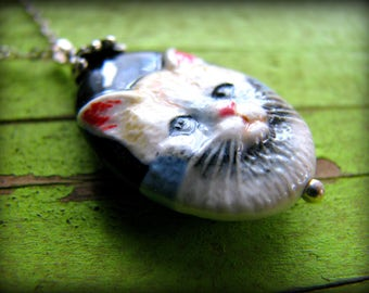 Cat Pendant Necklace ~ White Kitten - Gift Mothers Day Sister Best Friend Daughter Grandmother Nana 35th 40th 45th 50th 55th 60th 65th 70th