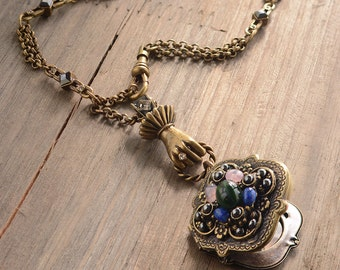 Victorian Necklace, Locket Necklace, Vintage Necklace, Victorian Jewelry, Victorian Locket, Locket Jewelry, Renaissance Necklace N1394