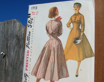 """Vintage 50's """"SIMPLICITY SEWING PATTERN 1713"""" One Piece Press Size 13 bust 33"""