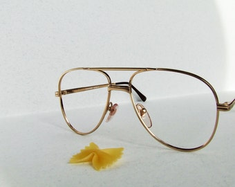 Vintage Sun/glasses, frame made in Italy, color gold. preppy, hipster,country chic,retrò, vtg