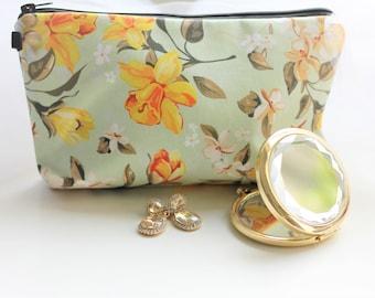 Mint Makeup Bag with Yellow Daffodil, Makeup Bag, Bridesmaid Gift, Shower Gift, Bride, Floral Makeup Bag, Flower Girl Gift, Cosmetic Bag