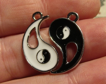 Double Pendant ying young 24mmx22mm