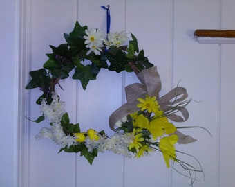 Spring yellow white accent wreath
