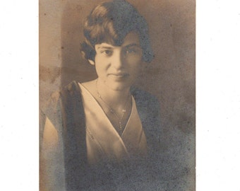 Vintage Young Woman Photo 2