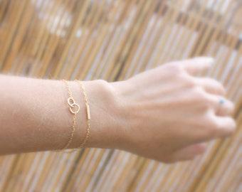 Dainty Chain Bracelets, Set of 2 Delicate Bracelets for Women, Layering Bracelet, Gold Chain ,Bar Bracelet, Minimal Jewelry