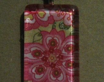 Vera Bradley Petal Pink Glass Pendant Necklace - New