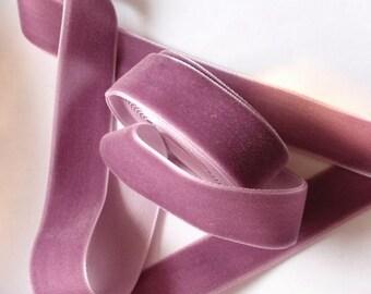 free sample for 3/4 inches Velvet Ribbon in Amethys RY34-199