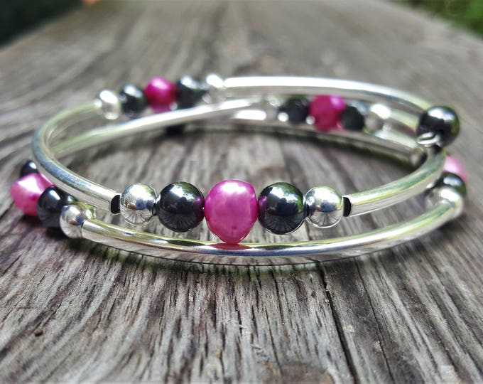Irregular Pink Pearl Fight Night Memory Wire Bangle