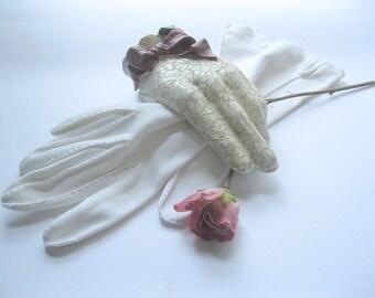 Blanc robe gants à doigts, taille 7 1/2, doigt, une Occasion spéciale, nuptiale, l'obtention du diplôme, de mailordervintage sur etsy
