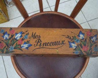 great old box with artist brushes / wooden floral decor