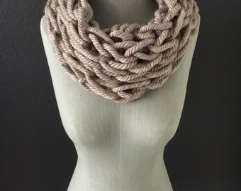 Arm Knitted Scarve