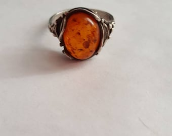 Vintage Sterling Silver Oval Baltic Amber Ring - Size 6