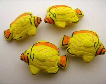 4 Large Tropical Fish Beads