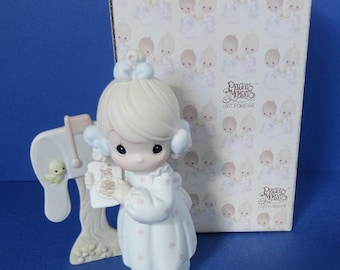1991 Sharing the Good News Together Precious Moments Figurine
