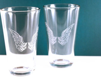 2 Angel Wings Etched Pint Glasses