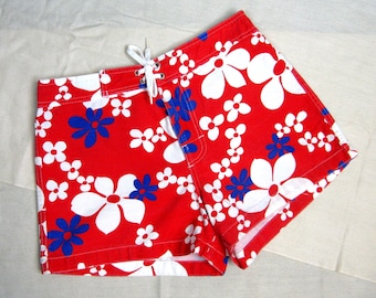 Vintage 1960s/1970s Women's Surf Shorts 60s/70s Cotton Flower Shorts by Toes on the Nose Size M