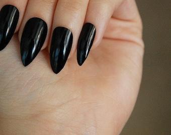 Glossy Black Stiletto Nails (OR matte) - Set of 20 - black nails, matte nails, matt nails, press ons, glue ons, stiletto nails, fake nails