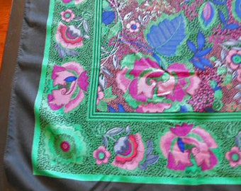 "Vibrant TEAL & MAGENTA SCARF Wrap Crewel Style Flowers and Leaves on Speckled Pink Green Background Black Border Vintage Multicolor 34"" sq"