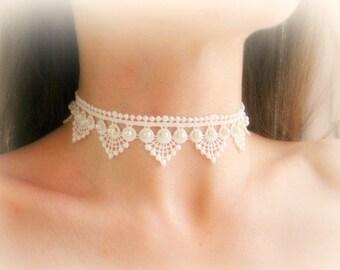 Lace choker necklace, ivory lace choker, white lace necklace, embroidered lace choker, bridal lace choker, wedding jewelry