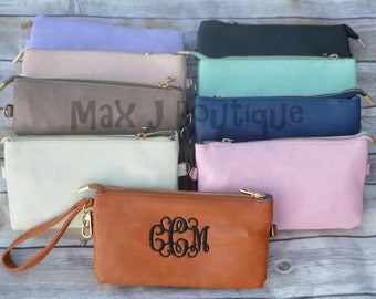 Monogrammed leather wristlet - Personalized clutch -  monogrammed purse