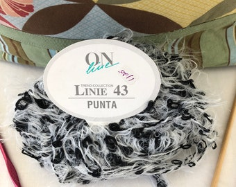 Discontinued Online - Linie 43 Punta Eyelash yarn - Color  Gray/Black/White