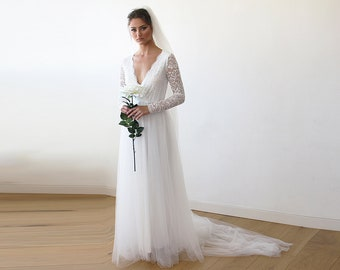Ivory Tulle and Lace Long Sleeve Wedding Train Gown 1164