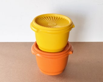 Se of 2 Vintage Orange and Yellow Tupperware Containers /Kitchen Accessories