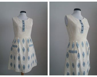 Vintage 1950s dress | 50s cotton dress | embroidered 50s dress
