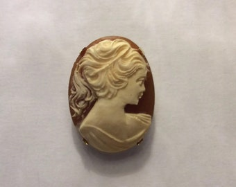 1950's Cameo Brooch of a Lady