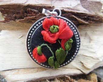 Embroidered necklace Red poppy jewelry Red necklace Flower anniversary gift for girlfriend Romantic Gift for wife Gift Jewelry idea for mom