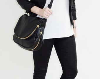 Black Leather Purse with Zippered Flap & Base (Gold), Zipper bag, Tom Ford, Messenger Bag, Gold Bag, Cross body leather bag, Fold Over bag