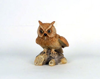 Vintage Great Horned Owl Figurines On log Ceramic Owl Statue Owl Decor - Bird Art woodland creatures Brown, Beige Collectibles - 5 x 4 x 5.5