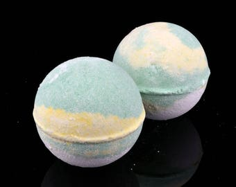 Gin and Tonic Bubble Bomb, Cocoa Butter Bubble Bomb, Perfect for Sensitive Skin, Bubble Bomb Gift, Gin Gift