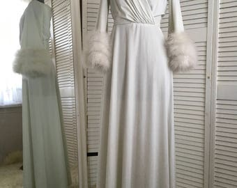 Vintage 1960s Lilly Diamond glamourous nightgown/hostessgown with white mirabou feathers around arms.