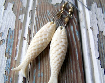 Fish Earrings - vintage ivory acrylic fish with swivel snaps