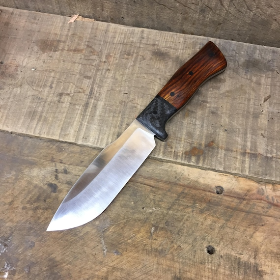 Falcon: a Hunting Knife