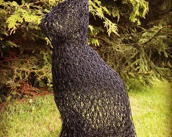 Cat wire sculpture, chicken wire art, cat art, black PVC coated chicken wire, cat lover, unique gift