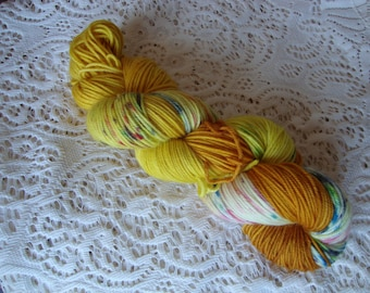 """Hand Dyed Yarn Merino Cashmere Nylon DK """"Looking For Gold"""""""