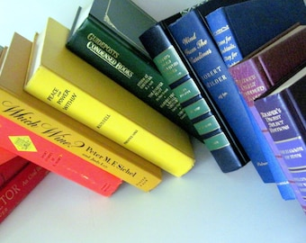 Wedding Book Decor, Rainbow Book Decor, Wedding Trend, Beach Wedding Decor, Rainbow Book Stack, Book Lovers Wedding, Boho Wedding Decor