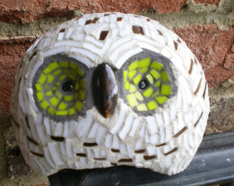 Round  Stained Glass Mosaic Snowy Owl