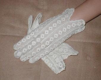Vintage 1930's Ivory French Crochet Dress Gloves