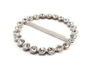 Silver metal round belt buckle with Rhinestones