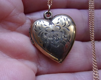"""Antique Victorian 12K Gold Filled Heart Locket with Monogram, Looks Like RB or KB in Script,  Charming old Antique Locket on long 24"""" Chain"""