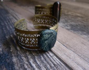 Vintage Brass Cuff,Raw Stone Bracelet,Brass Cuff Bracelet,Filigree Stone Bracelet,Jasper Bracelet,Bohemian Chic Jewelry,Boho Cuff,Raw Stone