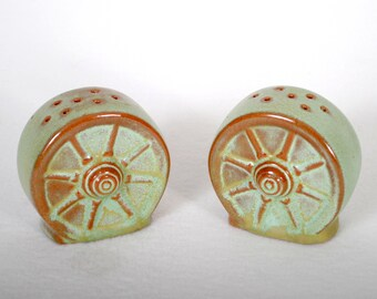 Frankoma Wagon Wheel Pattern Salt & Pepper Shakers