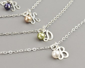 Bridesmaid Bracelets SET Of 4 Personalized Bracelets for Bridesmaids - Pearl Bridesmaid Jewelry Set - Initial Bracelets Silver